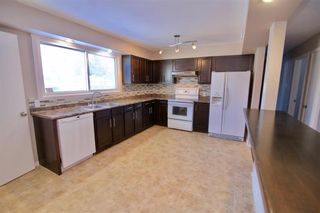 Photo 4: 19 Malden Close in Winnipeg: Maples Residential for sale (4H)  : MLS®# 202101865