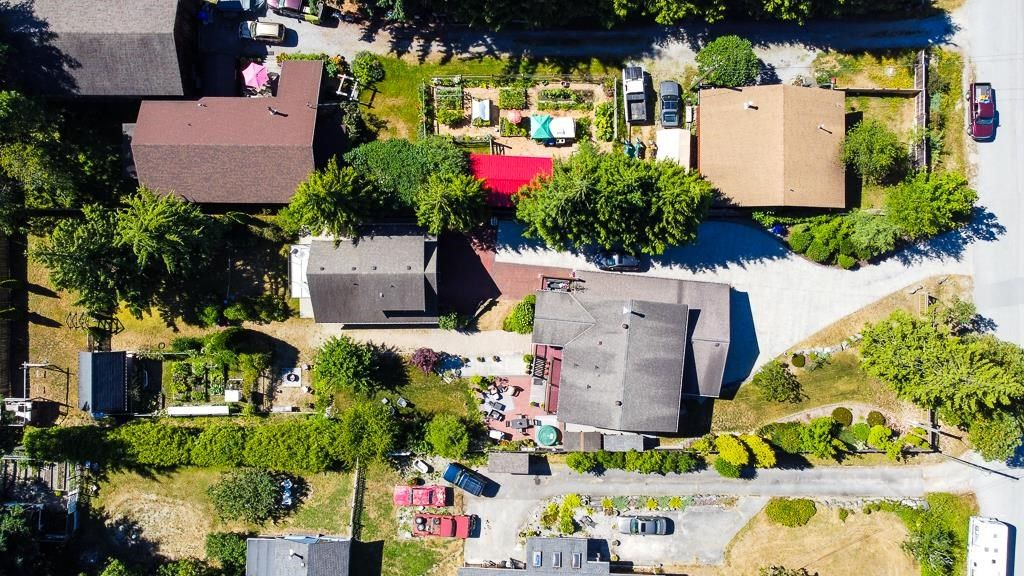 Photo 37: Photos: 5740 NICKERSON Road in Sechelt: Sechelt District House for sale (Sunshine Coast)  : MLS®# R2597486