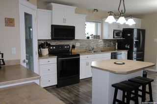 Photo 3: 104 2nd Avenue Southeast in Swift Current: South East SC Residential for sale : MLS®# SK755777