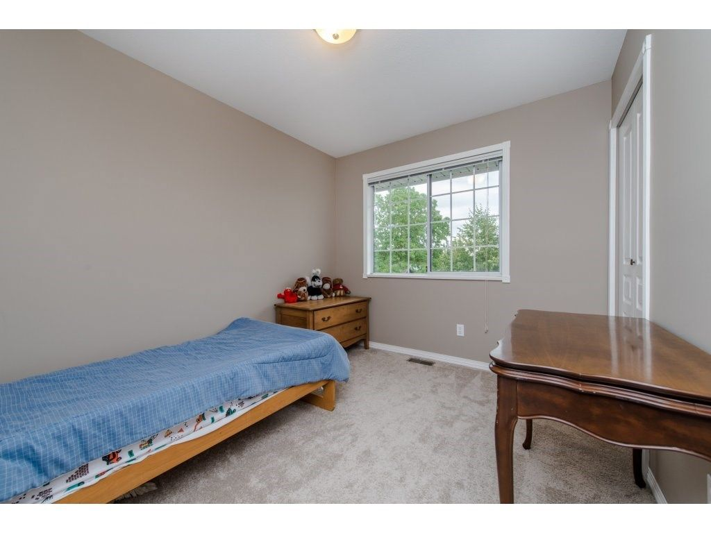 """Photo 17: Photos: 27091 24A Avenue in Langley: Aldergrove Langley House for sale in """"South Aldergrove"""" : MLS®# R2080123"""