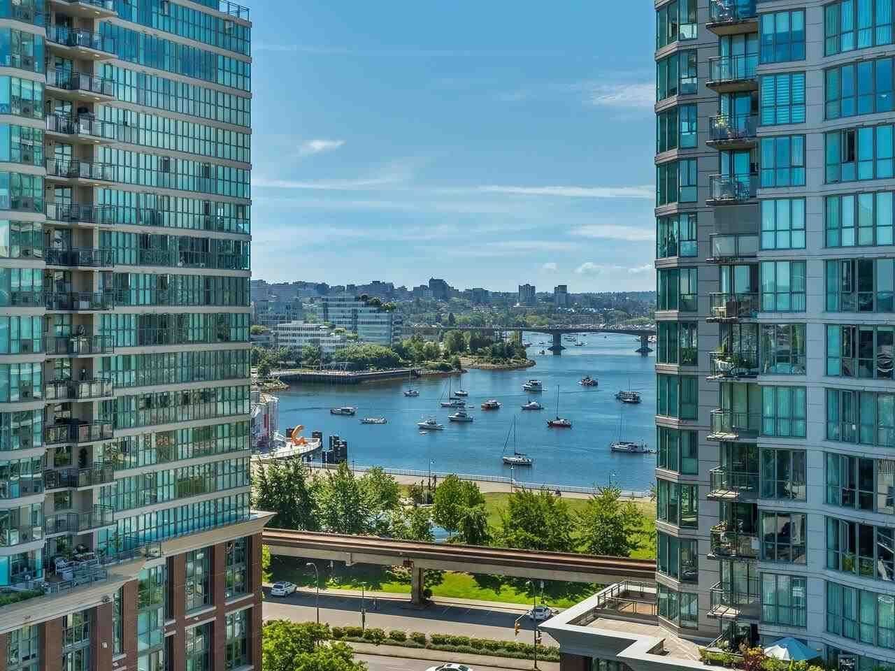 """Main Photo: 1301 189 NATIONAL Avenue in Vancouver: Downtown VE Condo for sale in """"SUSSEX"""" (Vancouver East)  : MLS®# R2590311"""