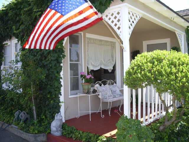 Main Photo: SOUTH ESCONDIDO Residential for sale : 3 bedrooms : 605 E 9th Ave in Escondido