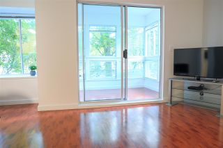 """Photo 5: 206 2133 DUNDAS Street in Vancouver: Hastings Condo for sale in """"Harbourgate"""" (Vancouver East)  : MLS®# R2395295"""