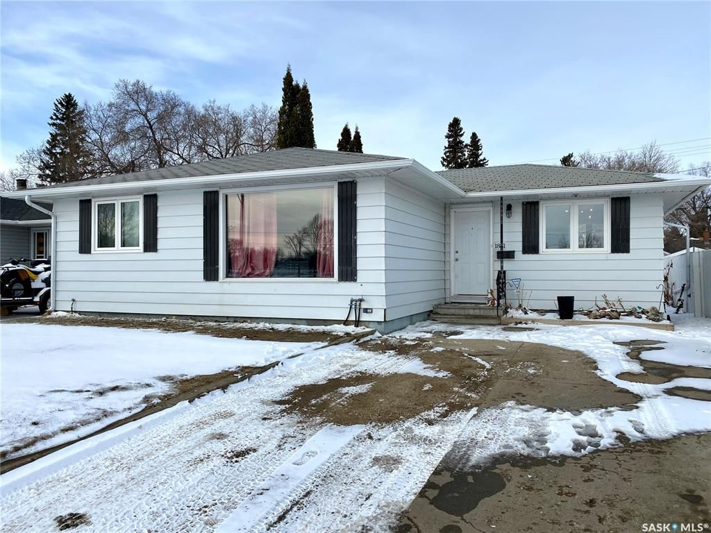 Main Photo: 1881 103rd Street in North Battleford: Residential for sale : MLS®# SK847005