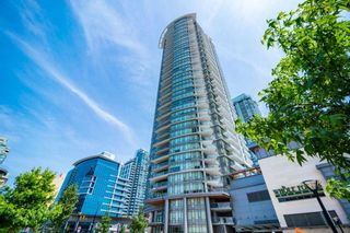 "Photo 1: 3209 2008 ROSSER Avenue in Burnaby: Brentwood Park Condo for sale in ""SOLO DISTRICT - STRATUS"" (Burnaby North)  : MLS®# R2517841"