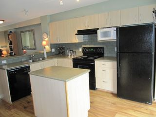 """Photo 4: 100 6747 203RD Street in Langley: Townhouse for sale in """"Willoughby Heights"""" : MLS®# F1107665"""