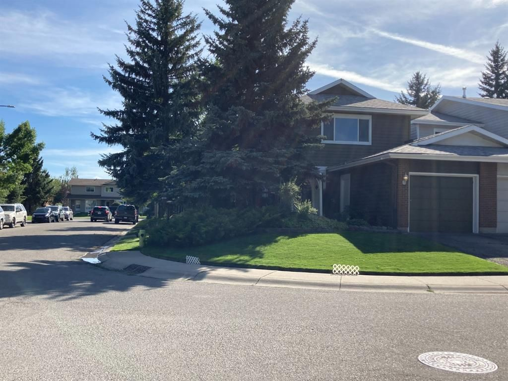 Main Photo: 320 Midpark Gardens SE in Calgary: Midnapore Detached for sale : MLS®# A1140002