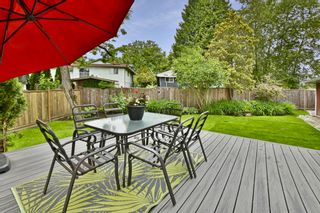 Photo 10: 18361 59A Avenue in Surrey: Cloverdale BC House for sale (Cloverdale)  : MLS®# R2373873