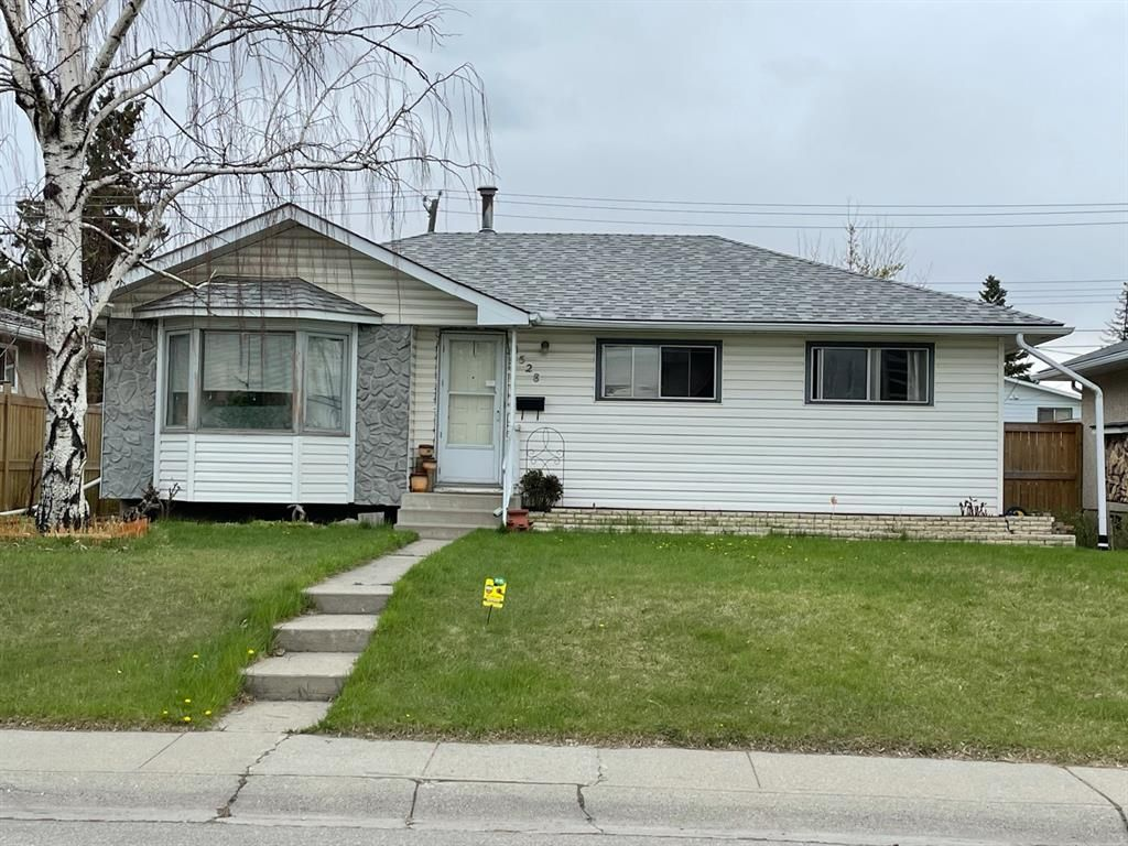Main Photo: 1528 45 Street SE in Calgary: Forest Lawn Detached for sale : MLS®# A1106262