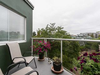 """Photo 2: 502 1508 MARINER Walk in Vancouver: False Creek Condo for sale in """"Mariner Point"""" (Vancouver West)  : MLS®# R2559474"""