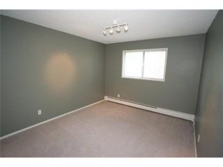 Photo 10: 426 3130 66 Avenue SW in CALGARY: Lakeview Townhouse for sale (Calgary)  : MLS®# C3521004