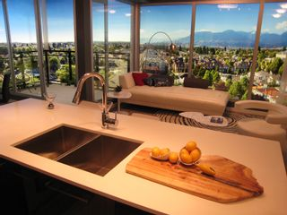 Photo 9: 1005 2699 Kingsway in Vancouver: Condo for sale (Vancouver East)