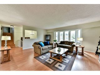 "Photo 4: 14410 CHARTWELL Drive in Surrey: Bear Creek Green Timbers House for sale in ""CHARTWELL"" : MLS®# F1439032"