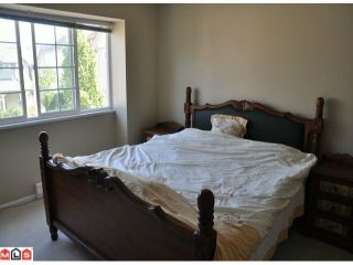 """Photo 5: 10 15488 101A Avenue in Surrey: Guildford Townhouse for sale in """"COBBLEFIELD LANE"""" (North Surrey)  : MLS®# F1219842"""