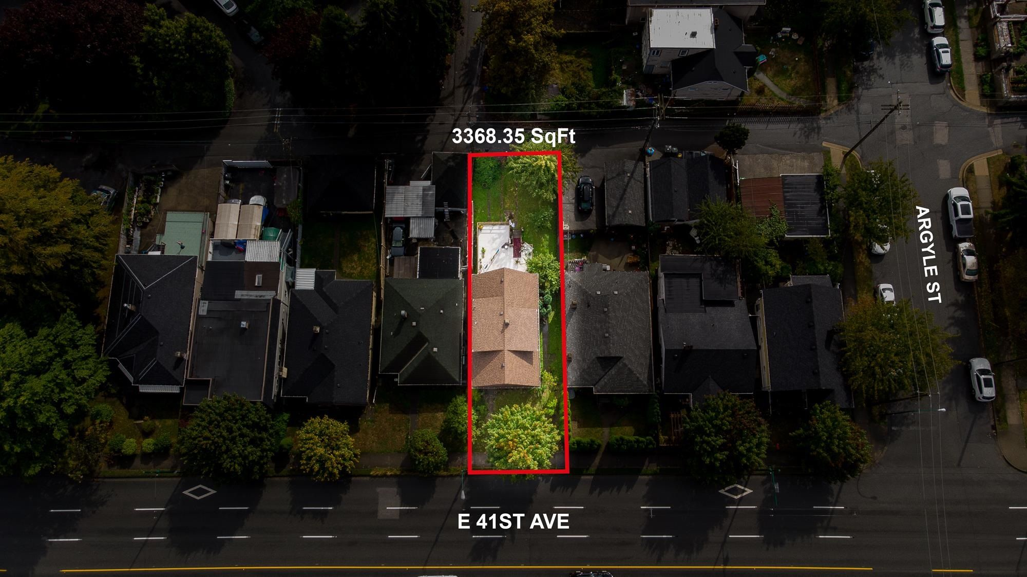 Main Photo: 1722 E 41ST Avenue in Vancouver: Killarney VE House for sale (Vancouver East)  : MLS®# R2623937