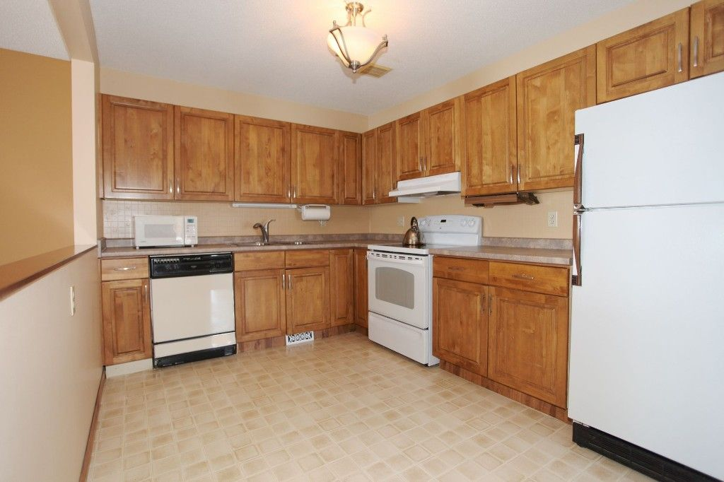Photo 12: Photos: 28 Woodchester Place in Winnipeg: Charleswood Single Family Detached for sale (South Winnipeg)  : MLS®# 1406268