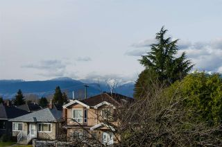 Photo 2: 2876 E 22ND Avenue in Vancouver: Renfrew Heights House for sale (Vancouver East)  : MLS®# R2442169