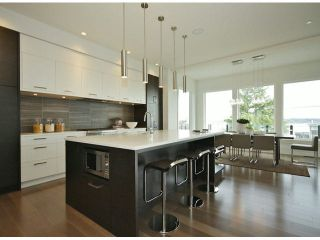 Photo 2: 15639 Cliff Avenue: White Rock House for sale (South Surrey White Rock)