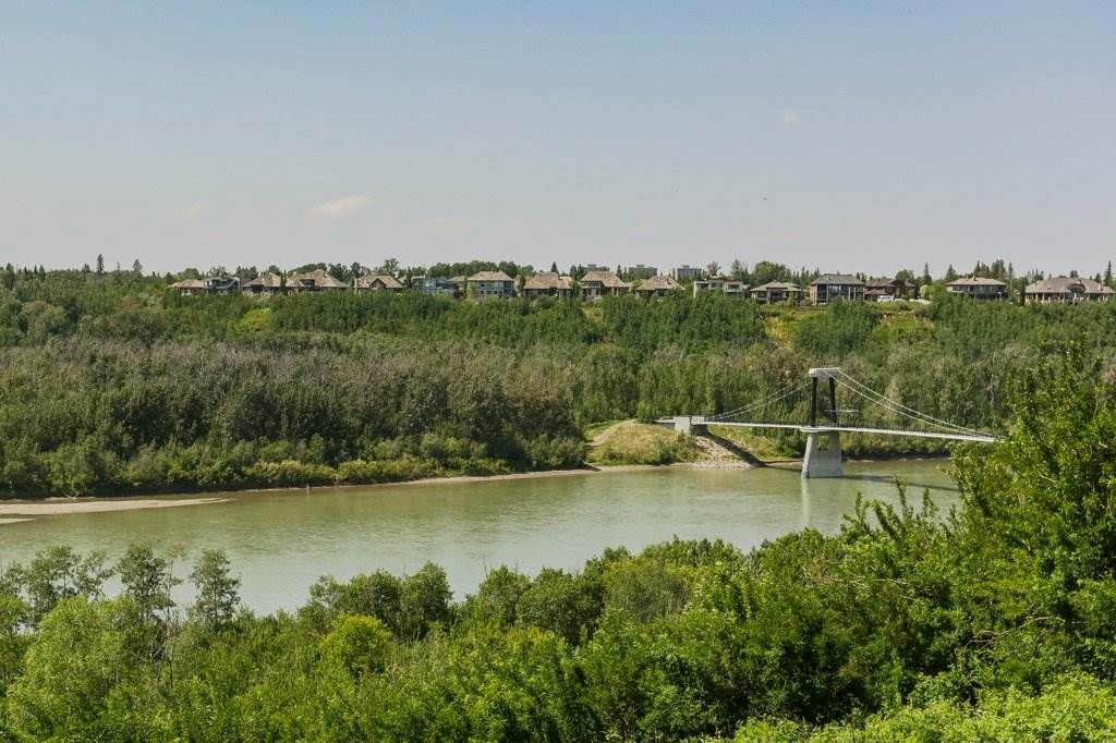 Main Photo: 5510 WHITEMUD Road in Edmonton: Zone 14 House for sale : MLS®# E4227235