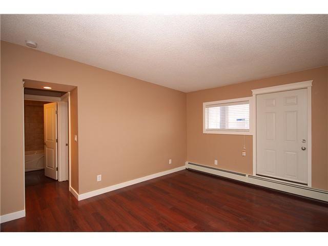Photo 11: Photos: 1 605 67 Avenue SW in CALGARY: Kingsland Condo for sale (Calgary)  : MLS®# C3424392