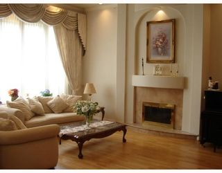 Photo 5: 6111 SHERIDAN Road in Richmond: Woodwards House for sale : MLS®# V698891