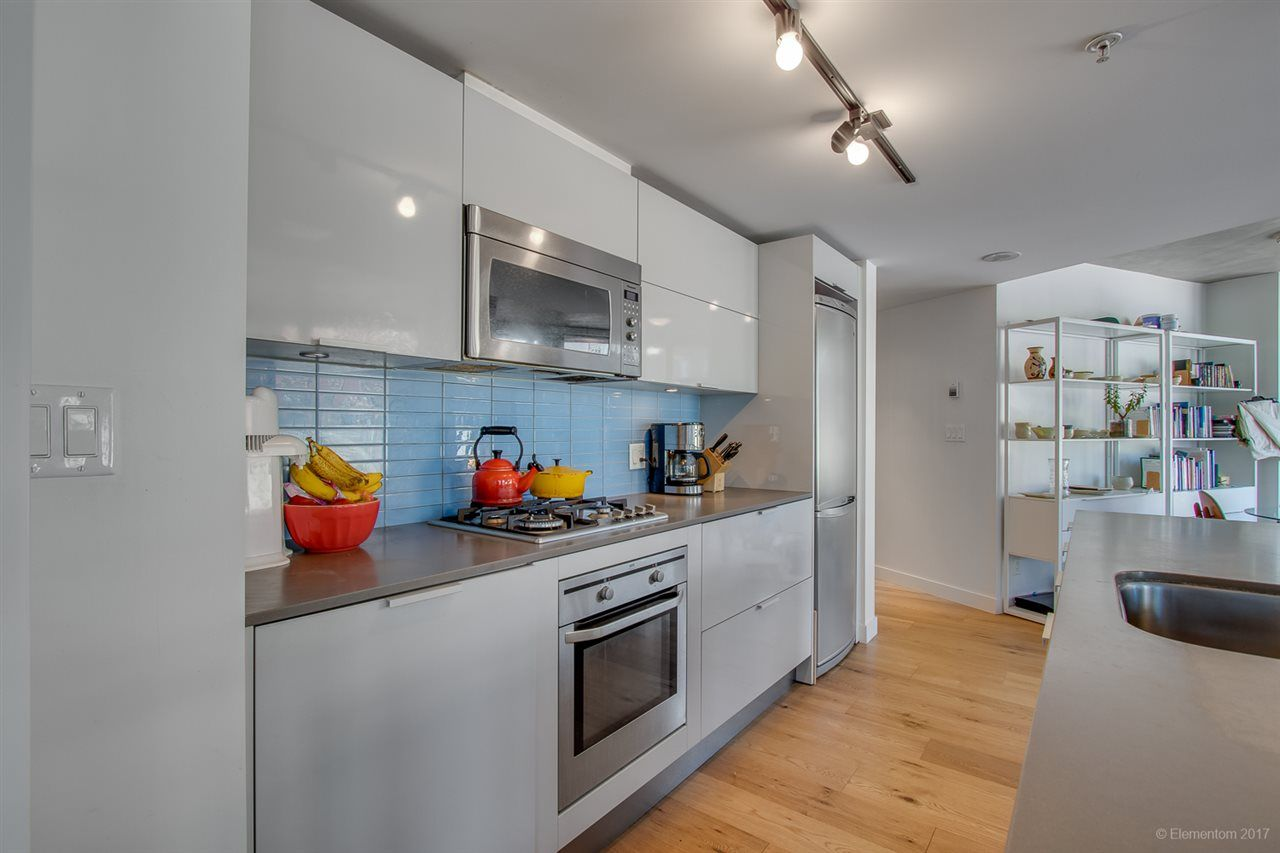 """Photo 11: Photos: 610 128 W CORDOVA Street in Vancouver: Downtown VW Condo for sale in """"WOODWARDS W43"""" (Vancouver West)  : MLS®# R2191922"""
