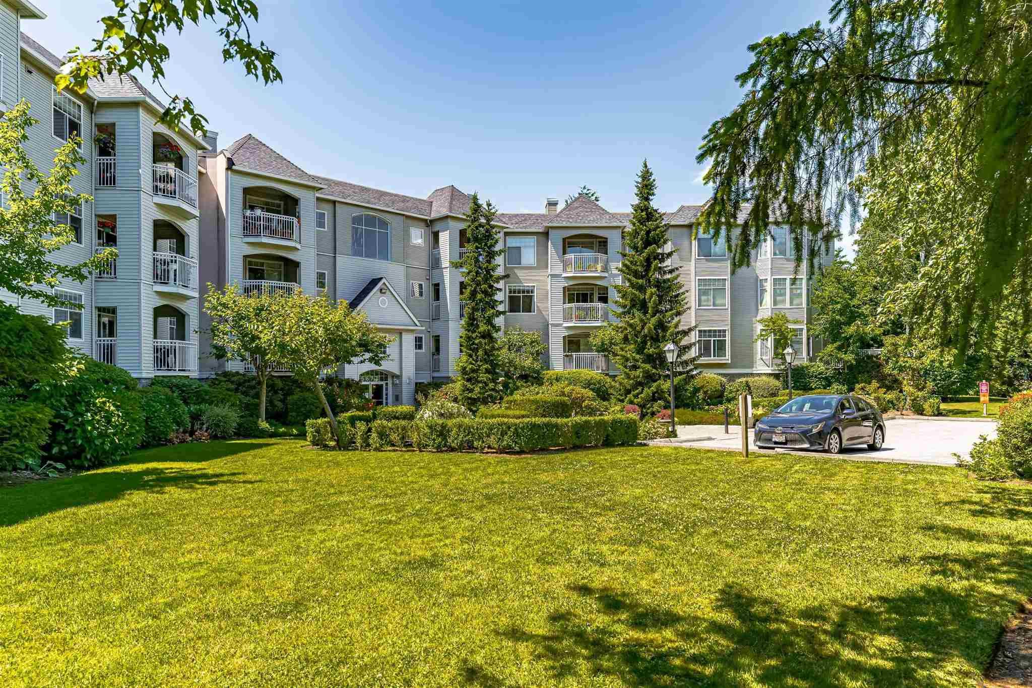 """Main Photo: 215 5677 208 Street in Langley: Langley City Condo for sale in """"Ivylea"""" : MLS®# R2595090"""