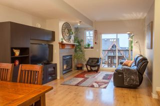 "Photo 3: 159 2000 PANORAMA Drive in Port Moody: Heritage Woods PM Townhouse for sale in ""MOUNTAIN EDGE"" : MLS®# R2222526"