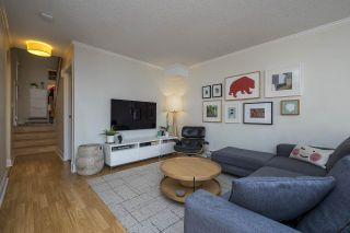 """Photo 3: 3408 WEYMOOR Place in Vancouver: Champlain Heights Townhouse for sale in """"Moorpark"""" (Vancouver East)  : MLS®# R2559017"""
