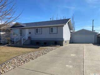 Photo 1: 31 16th Street in Battleford: Residential for sale : MLS®# SK850126