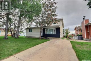 Photo 38: 1309 1st ST E in Prince Albert: House for sale : MLS®# SK869786