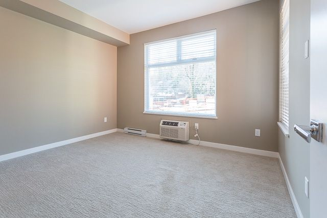 Photo 8: Photos: 116-2242 Whatcom Rd in Abbotsford: Abbotsford East Condo for rent