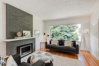 Photo 4: 5404 Thornton Road NW in Calgary: Thorncliffe Detached for sale : MLS®# A1120570