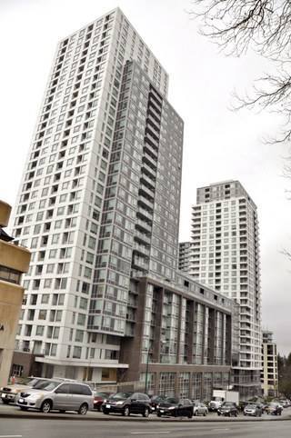 Photo 1: 310 5665 BOUNDARY Road in Vancouver: Collingwood VE Condo for sale (Vancouver East)  : MLS®# R2236961