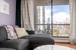 """Photo 10: 1204 1146 HARWOOD Street in Vancouver: West End VW Condo for sale in """"THE LAMPLIGHTER"""" (Vancouver West)  : MLS®# R2185943"""