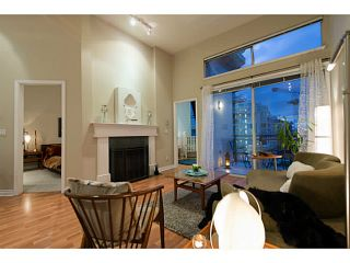 """Photo 4: 404 131 W 3RD Street in North Vancouver: Lower Lonsdale Condo for sale in """"Seascape Landing"""" : MLS®# V1044034"""