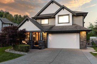 """Photo 1: 2238 CAMERON Crescent in Abbotsford: Abbotsford East House for sale in """"Deerfield Estates"""" : MLS®# R2581969"""