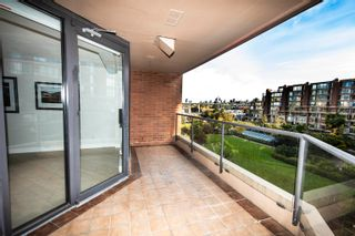 """Photo 35: 406 1450 PENNYFARTHING Drive in Vancouver: False Creek Condo for sale in """"Harbour Cove"""" (Vancouver West)  : MLS®# R2617259"""