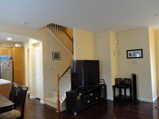 Photo 3: SOUTHWEST ESCONDIDO House for sale : 3 bedrooms : 1472 Mosaic Glen in Escondido