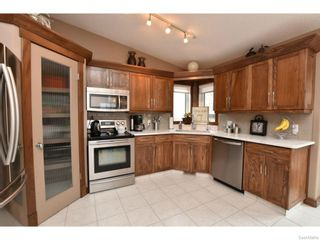 Photo 10: 8092 STRUTHERS Crescent in Regina: Westhill Single Family Dwelling for sale (Regina Area 02)  : MLS®# 607013