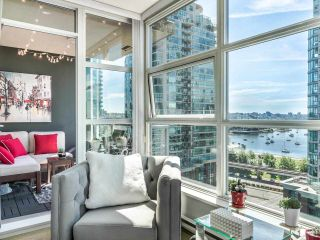 """Photo 9: 1301 189 NATIONAL Avenue in Vancouver: Downtown VE Condo for sale in """"SUSSEX"""" (Vancouver East)  : MLS®# R2590311"""