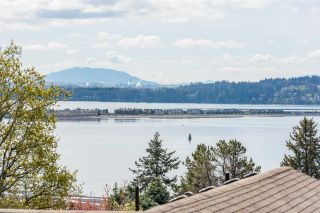 "Photo 3: 1180 MAPLE Street: White Rock House for sale in ""White Rock"" (South Surrey White Rock)  : MLS®# R2560150"