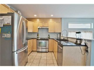 """Photo 6: 520 ST GEORGES Avenue in North Vancouver: Lower Lonsdale Townhouse for sale in """"STREAMLINE PLACE"""" : MLS®# V1067178"""