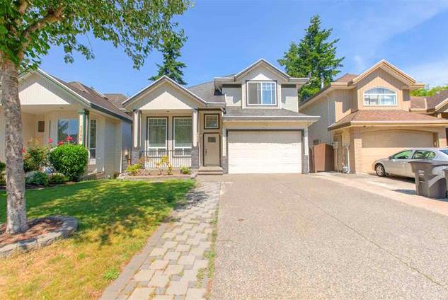 Main Photo: 5884 138 Street in Surrey: Panorama Ridge House for sale : MLS®# R2430936