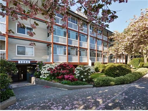 Main Photo: 406 1234 Fort St in VICTORIA: Vi Downtown Condo for sale (Victoria)  : MLS®# 723535