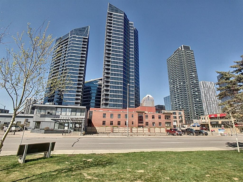 Main Photo: 2808 225 11 Avenue SE in Calgary: Beltline Apartment for sale : MLS®# A1106370