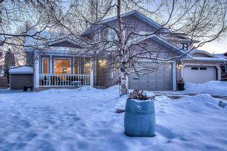 Photo 2: 36 SUNVISTA Place SE in Calgary: Sundance Detached for sale : MLS®# C4267095