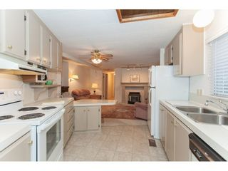 """Photo 12: 106 2303 CRANLEY Drive in Surrey: King George Corridor Manufactured Home for sale in """"Sunnyside"""" (South Surrey White Rock)  : MLS®# R2150906"""