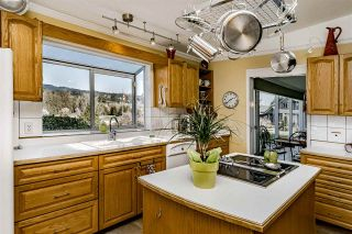 """Photo 7: 517 FADER Street in New Westminster: Sapperton House for sale in """"HUME PARK"""" : MLS®# R2447033"""