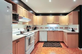 Photo 4: 402 6737 STATION HILL COURT in Burnaby: South Slope Condo for sale (Burnaby South)  : MLS®# R2206676